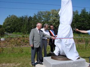 inauguration de la sculpture Philoprof