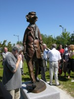 monumental bronze sculpture: inauguration Philoprof